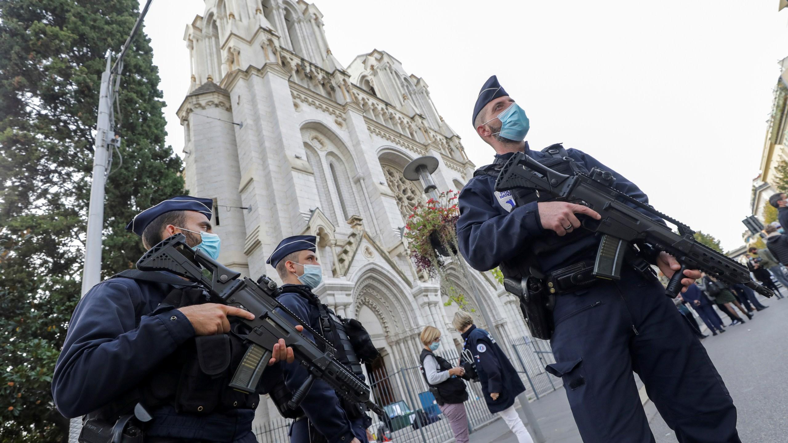PROGLAŠENA NEPOSREDNA OPASNOST OD NAPADA: Francuska jača mjere sigurnosti nakon terorističkih napada u Nici