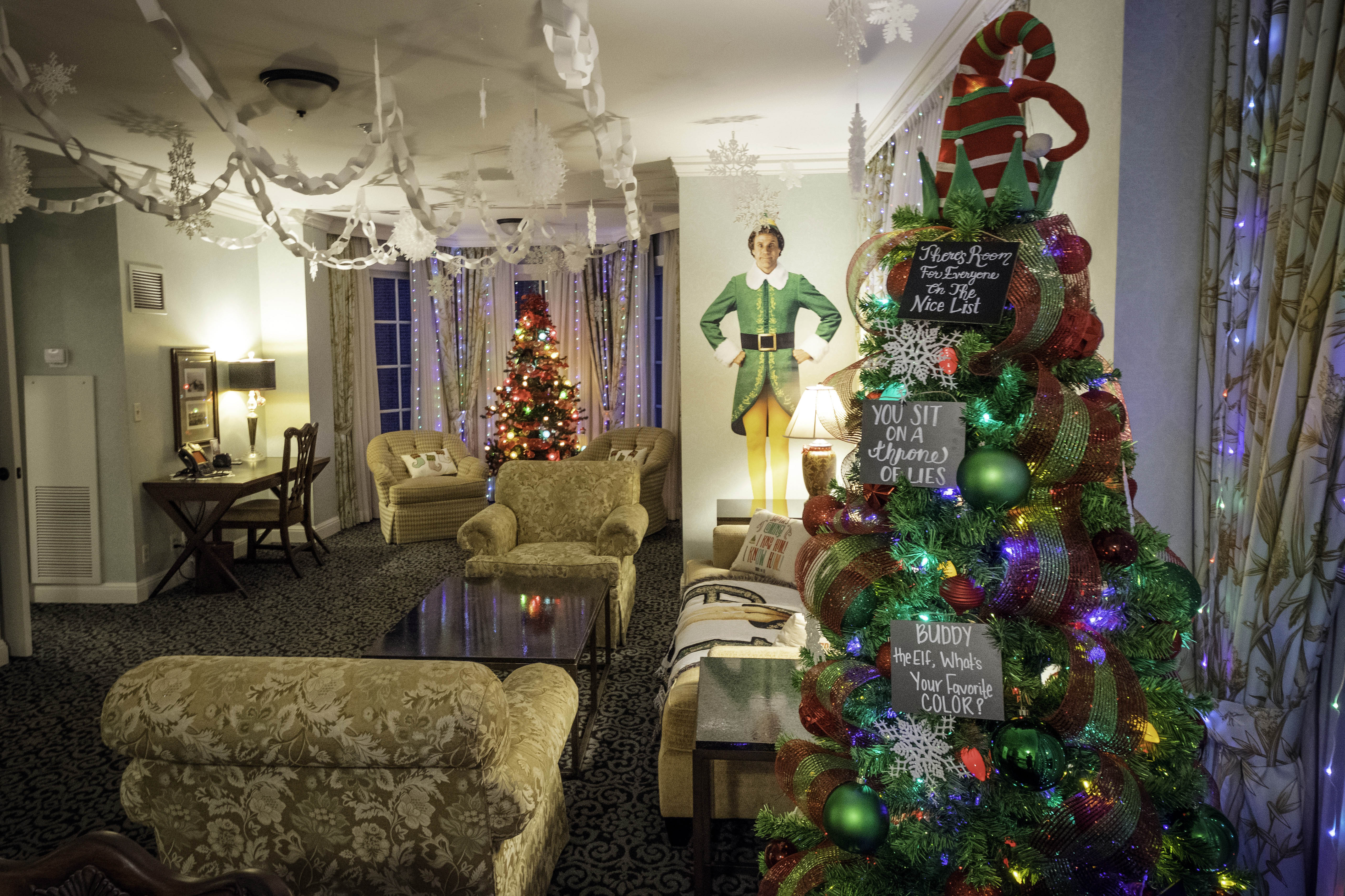 Buddy The Elf Themed Suite At Royal Park Hotel Newsnation Now