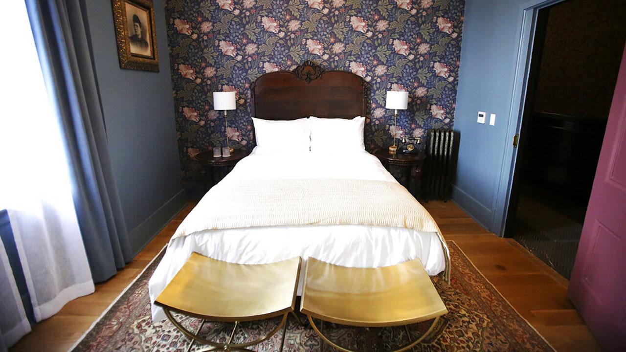 California hotel room